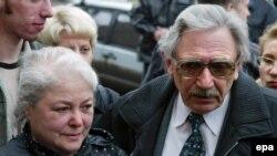 Родители экс-главы ЮКОСа надеются, что «юрист и либерал» Медведев пойдет на реформу судебной системы