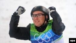 Алексей Гришин из Белоруссии стал олимпийским чемпионом Ванкувера в лыжной акробатике.