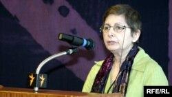 مهرانگیز کار فعال مستقل حقوق بشر می گوید بر خلاف گفته مسئولان، بند ۲۰۹ زندان، یک ندامتگاه است