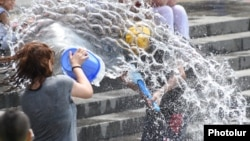 İyulun 7-si Ermənistanda Vardavar - dini su bayramıdır