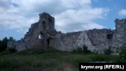 Руины крепости на Мангупе
