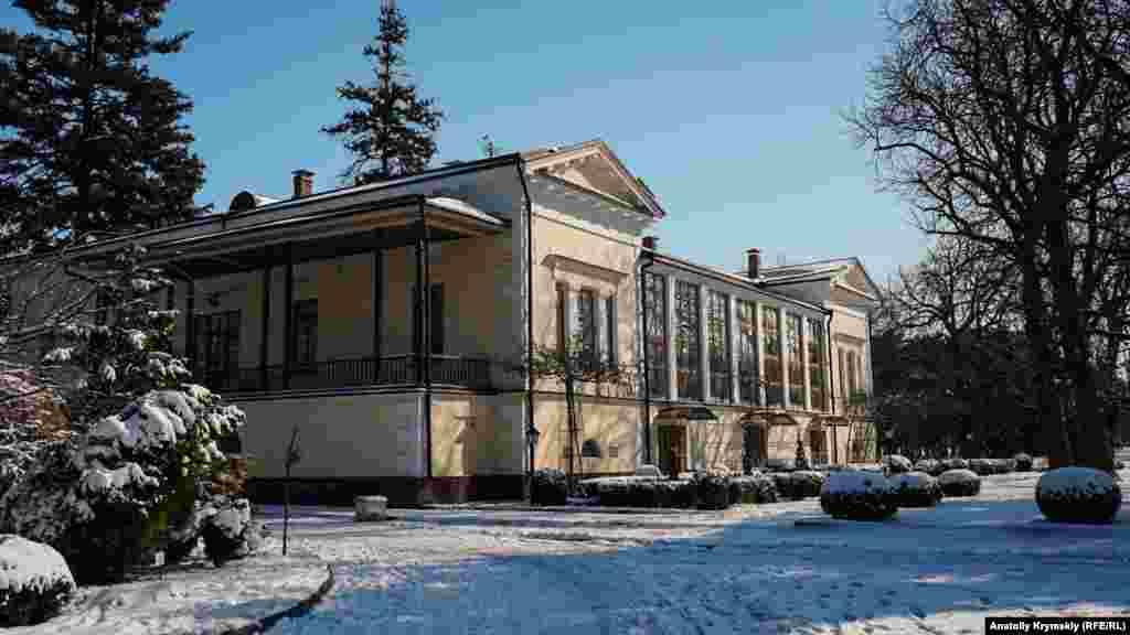 Заміський будинок графа Воронцова побудований 1827 року