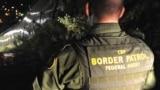 Офицер погранично-таможенной службы США во время дежурства
