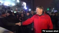 Президент Клаус Йоханніс на антикорупційному протесті у Бухаресті