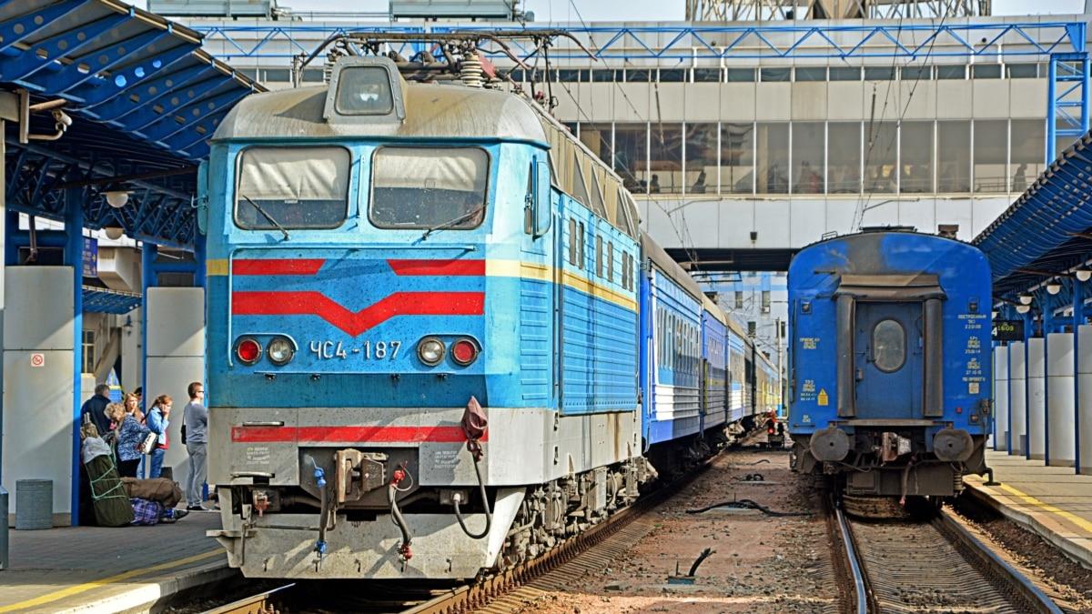 Поезд «Львов – Москва» забросали камнями, никто не пострадал – УЗ