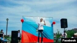 Петр Истомин выступает на митинге 5 мая в Ставрополе