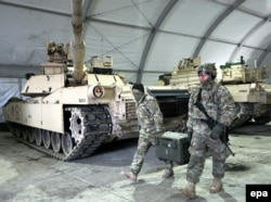 Американские военнослужащие из контингента, временно дислоцированного в западной Польше