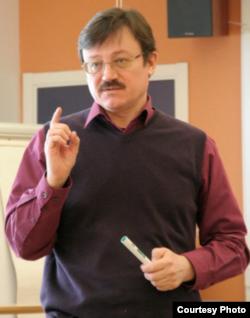 Ukraynalı araşdırmaçı jurnalist Oleq Xomenok