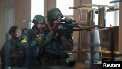 Українські військові на позиціях в Іловайську, фото 26 серпня 2014 року