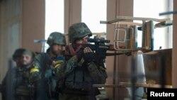 Военнослужащие украинской армии в Иловайске