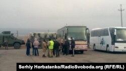 «76 наших – у безпеці на підконтрольній Україні території», – йдеться в повідомленні ОП