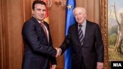 Средба на медијаторот Метју Нимиц со премиерот Зоран Заев