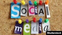 Sosial media.