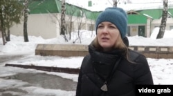 "Russian meteorologist Elena Izotova: ""They're trying to fool the people."""
