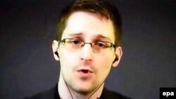 АҚШ азаматы Эдвард Сноуден.