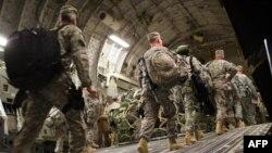 بخشی از سربازان آمریکایی در حال خروج از عراق
