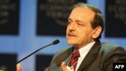 آقای عبدربه می گوید: ايران از گروه های غير دمکراتيک در فلسطين، لبنان و عراق حمايت می کند.