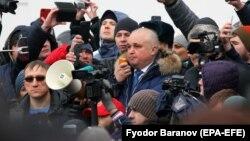 Вице-губернатор Кемеровской области Сергей Цивилев на митинге. 27 марта 2018 года.