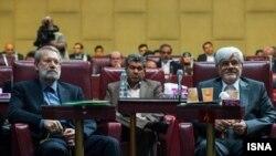 محمدرضا عارف رئیس احتمالی فراکسیون امید و علی لاریجانی در اولین گردهمایی منتخبان مجلس دهم