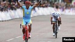 Лондон олимпиадасындағы веложарыс. Қазақстандық атлет Александр Винокуровтың алтын алған сәті. Лондон, 28 шілде 2012 жыл.