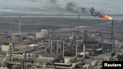 Իրաք -- Նավթավերամշակման գործարան Բասրայում, 17-ը մայիսի, 2011թ․