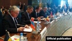 Սենեգալ - Հայաստանի արտգործնախարար Էդվարդ Նալբանդյանը Ֆրանկոֆոնիայի միջազգային կազմակերպության գագաթնաժողովում, Դաքար, 29-ը նոյեմբերի, 2014թ․