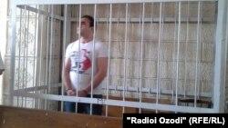 Усмонали Гайратов в суде. Июнь 2014 года