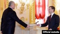 ՀՀ դեսպան Օլեգ Եսայանի հանդիպումը ՌԴ վարչապետ Դմիտրի Մեդվեդևի հետ, Մոսկվա, 9-ը սեպտեմբեր, 2016թ․