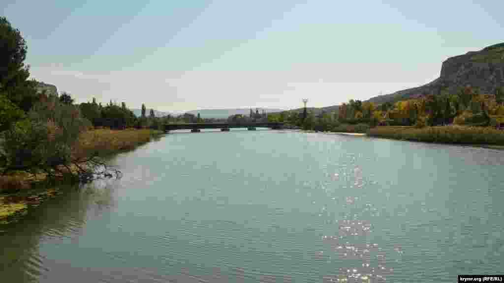 Вид на Черную речку с Инкерманского моста