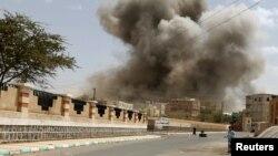 Авиаудары по точкам в Сане - столице Йемена.