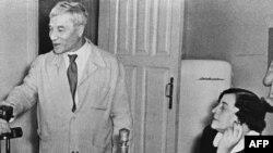 Борис Пастернак с женой