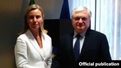 Федерика Могерини и Эдвард Налбандян (архив)