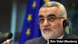 علاءالدین بروجردی گفت که بازداشت و محکومیت آقای جلالی به دوتابعیتی بودن او ارتباطی ندارد.