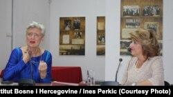 """Javni razgovor sa Marieluise Beck moderirala je Vildana Selimbegović (desno), glavna i odgovorna urednica lista """"Oslobođenje"""""""