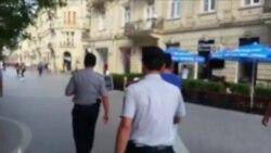 Polis qızla gəzən oğlanı bölməyə apardı