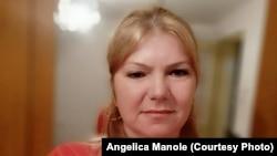 Angelica Manole are doi copii, un băiat la liceu și o fată studentă și i-ar plăcea să călătorească. În timpul liber mai face croitorie, dar îi place și noua muncă, în cablajul auto.