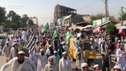 Pakistani Islamist Supporters March To Islamabad, Demand PM's Resignation