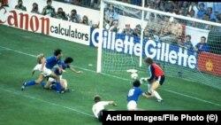 Rossi gólja a nyugatnémeteknek az 1982-es VB-döntőben