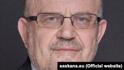 Янис Адамсон