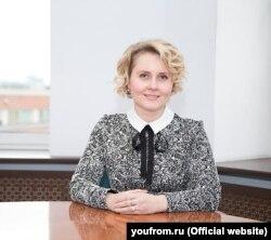 به نظر می رسد یولیا سربریانسکایا در ستاد مبارزات انتخاباتی نخست وزیر سابق روسیه و رئیس جمهور دیمیتری مدودف کار می کرد (عکس بایگانی)
