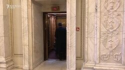 Un senator a venit din spital pentru votul la moțiunea de cenzură