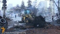 На Грушевського грейдери розчищають вулицю
