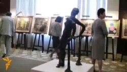 La vernisajul expoziției de artă română și basarabeană
