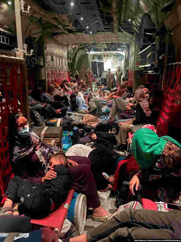 Posljednji evakuacijski let koji je organizovala Italija stigao je u Rim 28. avgusta. Ova zemlja uspjela je evakuisati 5.000 Afganistanaca.