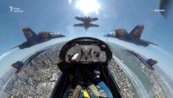 Пілотажні групи ВПС і ВМС США влаштували авіашоу на честь борців із коронавірусом – відео