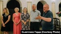 Васіль Мацкевіч — крайні справа, архіўнае фота