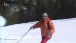 Киянка зустріла 83-й день народження на лижах (відео)