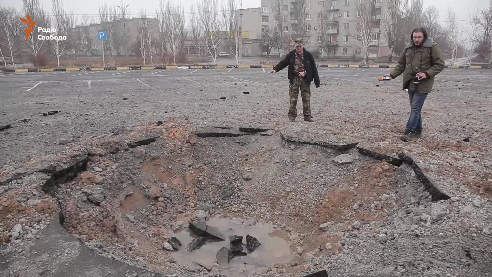 Як живе прифронтова Красногорівка? (відео)
