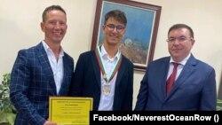 Стефан и Максим Иванови проведоха среща с министъра на здравеопазването Костадин Ангелов непосредствено след приключване на 3-месечната си експедиция в Атлантическия океан, проведена в името на каузата за донорството