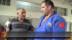 Blind Paralympic Judoka Seeks Golden Threepeat